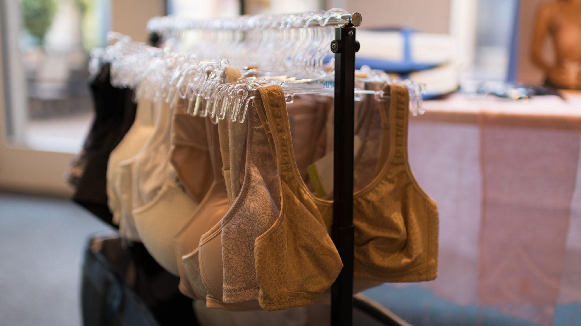 Brustkrebs: Unterwäsche für brustoperierte Frauen.