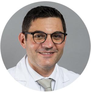Portraitbild von Prof. Dr. med. Antonio Nocito, Chefarzt Klinik für Allgemein-, Viszeral- und Gefässchirurgie