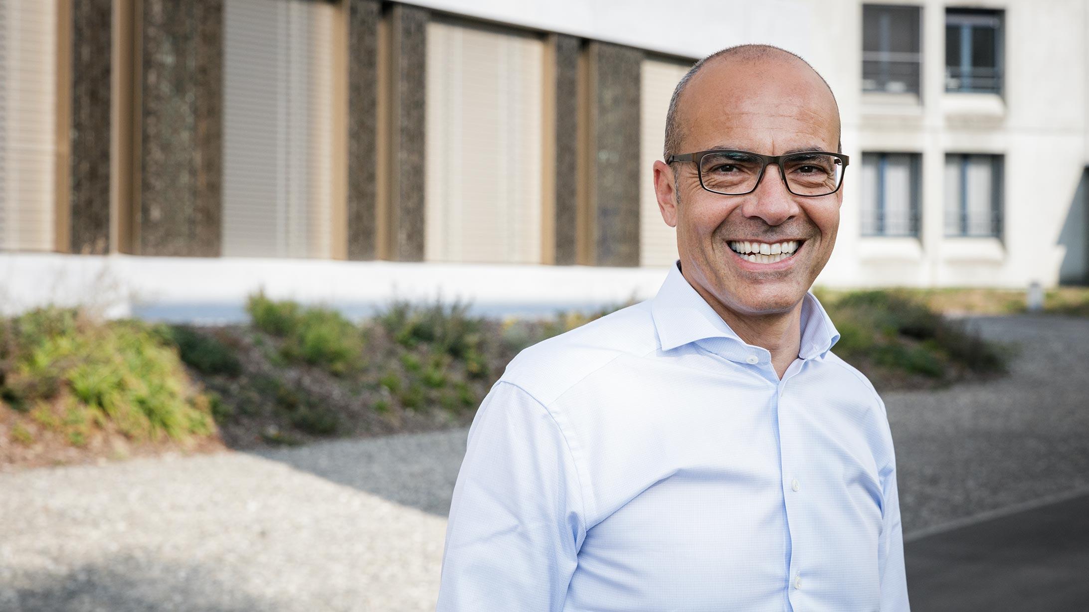 Portraitfoto von Karim Eid, Chefarzt Orthopädie.