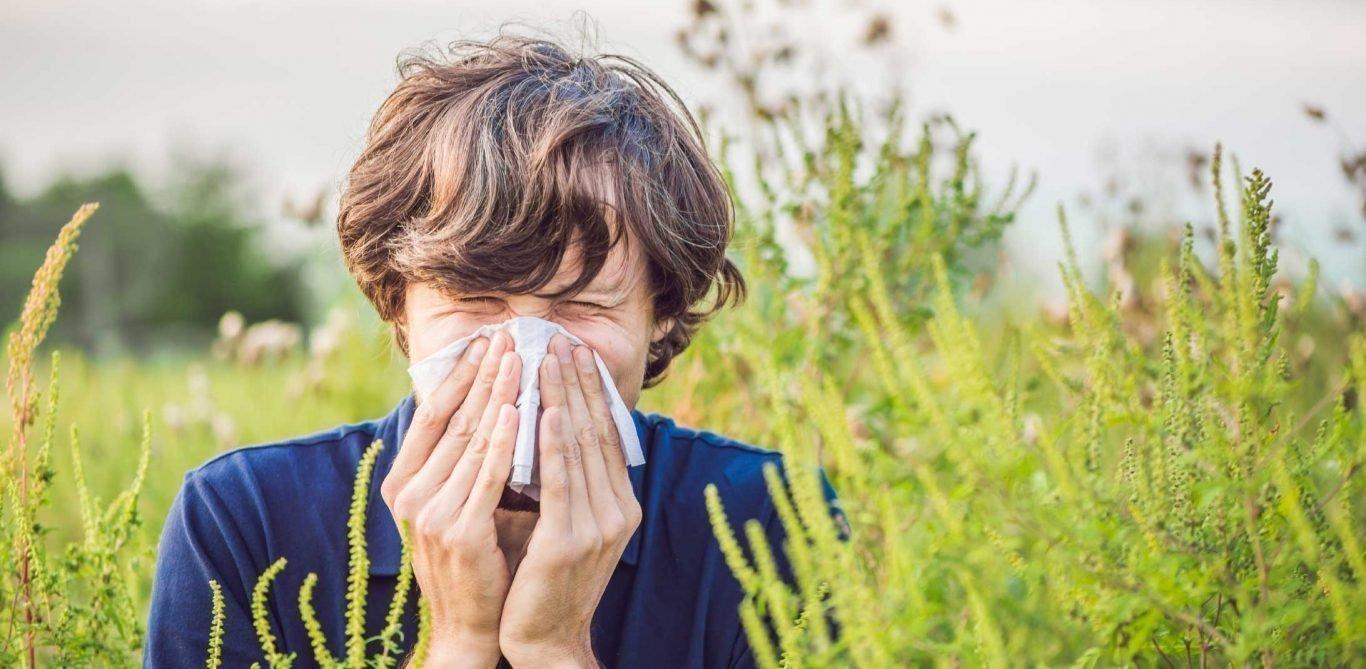 Mann am Niessen, die Symptome einer Allergie