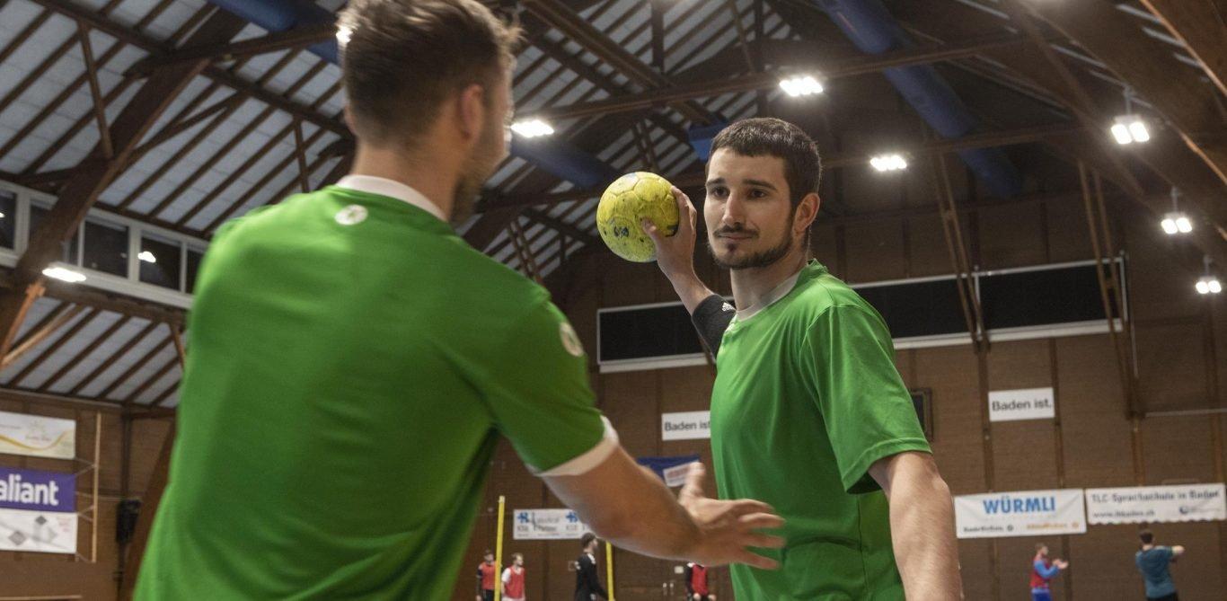 Handballer im Spiel
